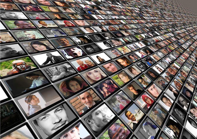 Many monitors